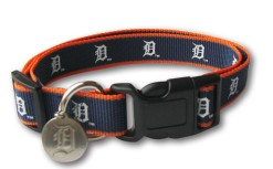 Detroit Tigers Reflective Collar and ID Tags